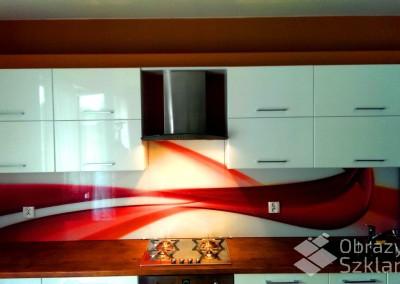 abstrakcyjne-szklo-do-kuchni-zamiast-kafelek