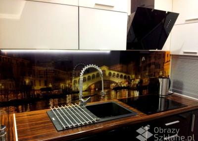 grafika-na-panelach-szklanych-do-kuchni