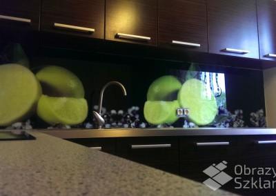 kuchnia-w-szkle-z-grafika