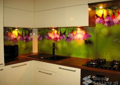 obraz-szklany-w-kwiaty-do-kuchni