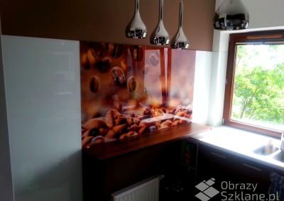 panel-szklany-do-kuchni-z-grafika-na-szkle
