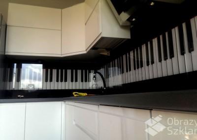 panel-ze-szkla-do-kuchni