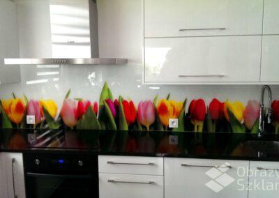 szklane-motywy-kwiatowe-do-kuchni
